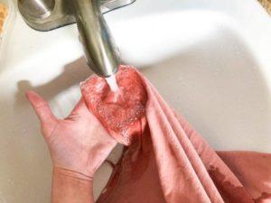 Отмывание пятна крови в холодной воде