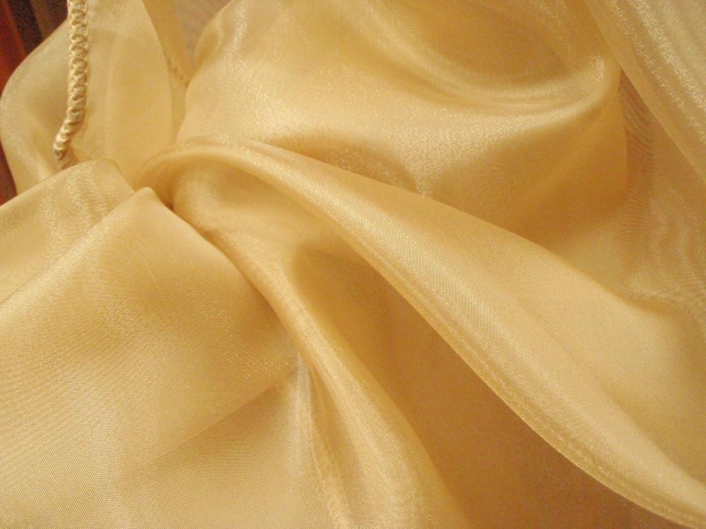 Как отбелить тюль: стирка в домашних условиях, как избавить занавески от серости и желтизны из органзы и капрона.
