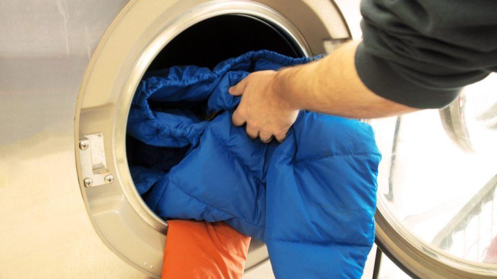 Стирка зимней куртки из различных материалов в стиральной машине