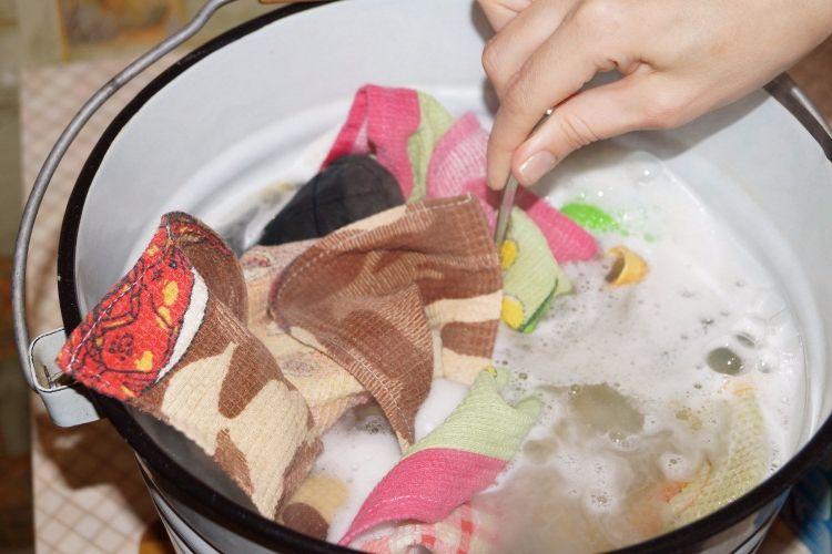Чем отстирать кухонное полотенце в домашних условиях