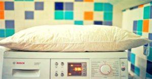 Нельзя стирать подушки, не разделяя наперник и наполнитель