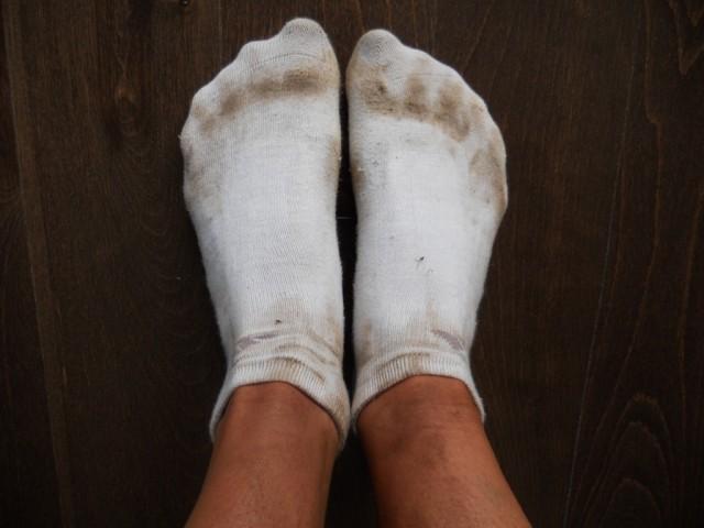 В чем замачивать белые носки
