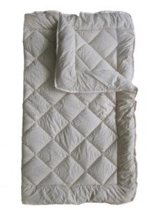 Стеганое шерстяное одеяло