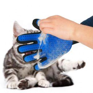 Резиновая перчатка против прилипших волос