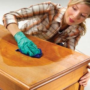 Удаление маркера с деревянной мебели