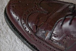 Обувь из кожзама прослужит меньший срок