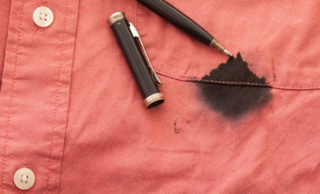 Как вывести пятно от шариковой ручки: самые эффективные способы