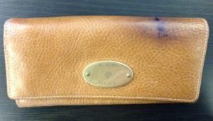 Пятна от ручки на кожаной сумке