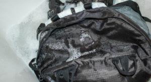 Стирка рюкзака вручную