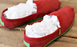 Сушка обуви с помощью газеты