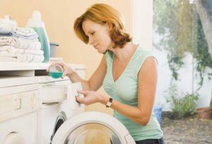 При стирке игрушек в стиральной машине выбирается деликатный режим