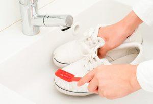 Подготовка обуви к стирке