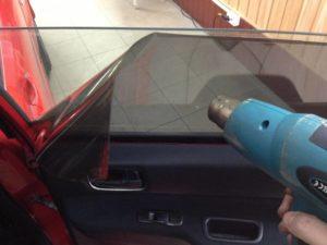 IMG 3609 300x225 - Чем оттереть клей после тонировки от стекла