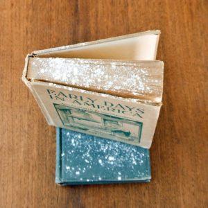 Чистка книг с помощью крахмала