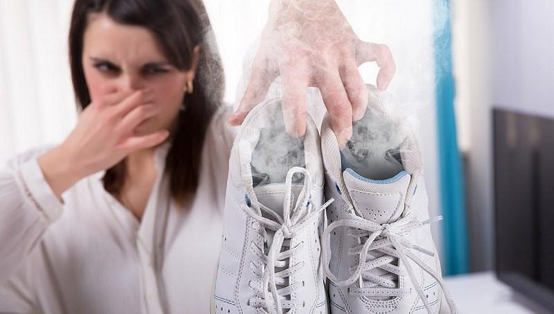 Неприятный запах в обуви