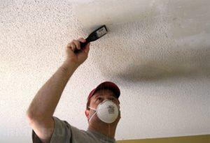 Снятие водоэмульсионной краски с потолка