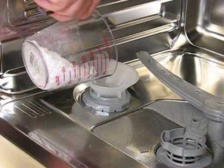 Соль для посудомоечной машины — обязательно ли добавлять