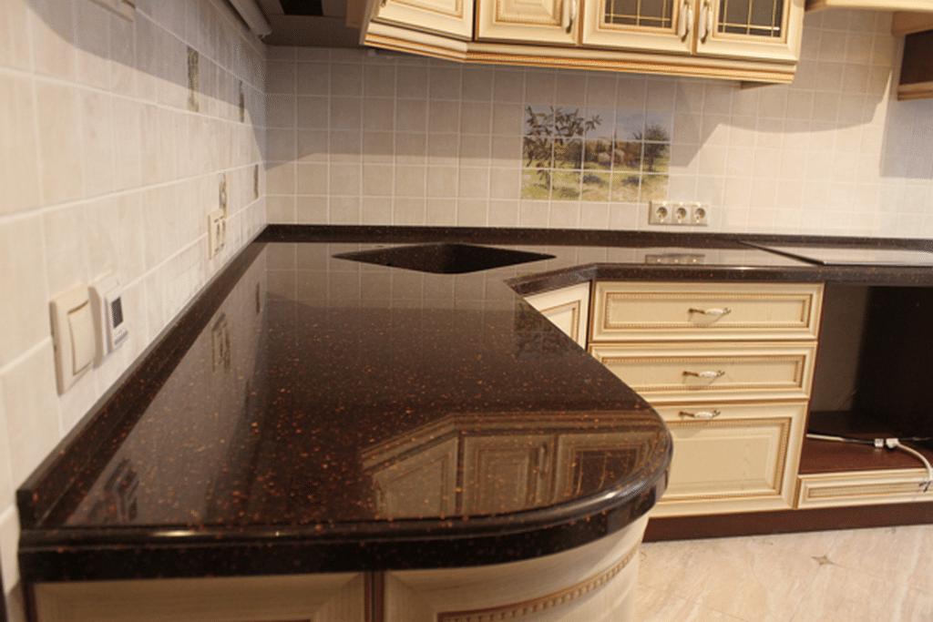 Чем мыть каменную столешницу от въевшейся  грязи и пятен на кухне