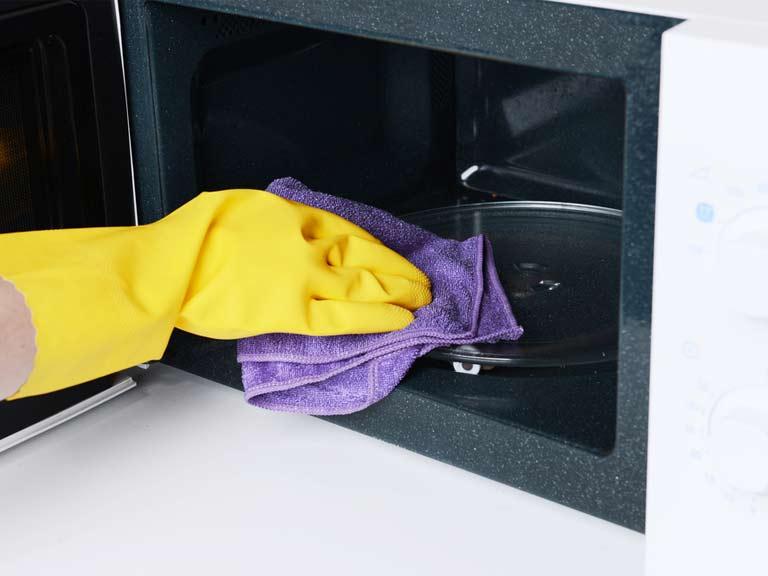 Как отмыть микроволновку в домашних условиях