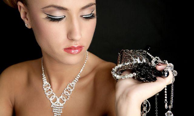 Как почистить серебро и серебряные украшения