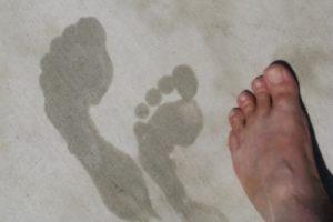 Как избавиться от запаха ног — средство от запаха