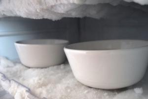 Как убрать запах из холодильника — средство от плохого запаха