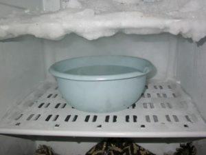 Как правильно мыть холодильник, чтобы не было запаха