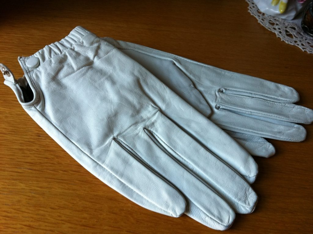 Как правильно ухаживать за кожаными перчатками