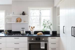 Как современно обустроить кухню бытовой техникой?