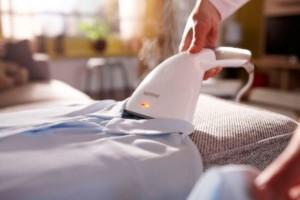 Как пользоваться ручным отпаривателем для одежды