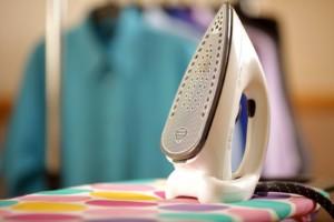 Чем можно очистить утюг от пригоревшей ткани
