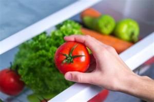 Как хранить помидоры в холодильнике и в комнате