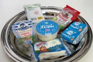 Сколько хранится творог в холодильнике и в морозилке