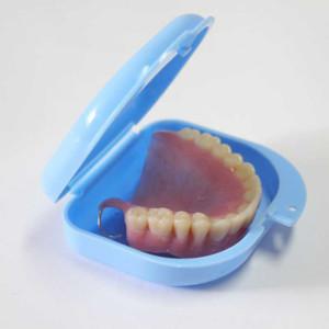 В чем хранить зубные протезы в домашних условиях снимая на ночь