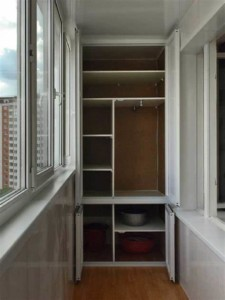 Как на балконе сделать место для хранения вещей своими руками