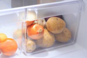 Как хранить лук после уборки и в домашних условиях