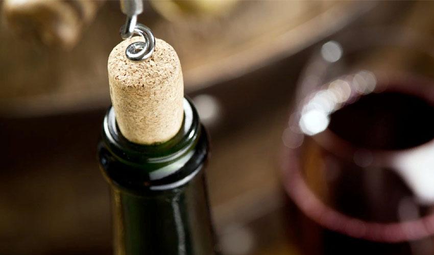 Сколько хранится открытое вино в холодильнике