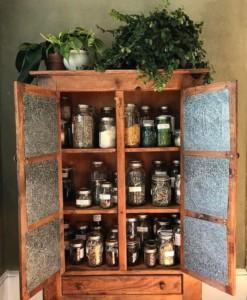 В чем хранить сушеные травы в домашних условиях
